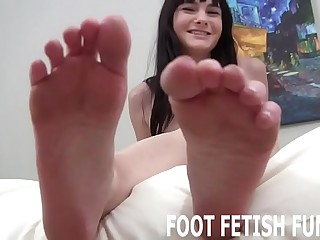 I need a new victim who knows how to pamper my feet