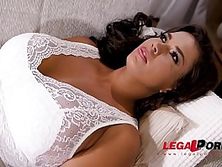 Absolutely irresistible Chloe Lamour shares harassment BDSM fantasies with therapist GP237