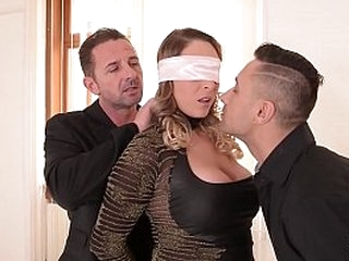 Strong Domination & submission three-way satisfies submissive Victoria Summers craving for 2 dicks