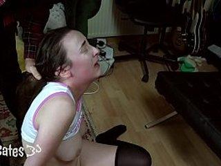 предварительный просмотр: Девушка покорного папы контролирует оргазм, грубая пощечина, порка DDLG CNC