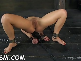 Filthy blonde hotty could not hold back from jerking