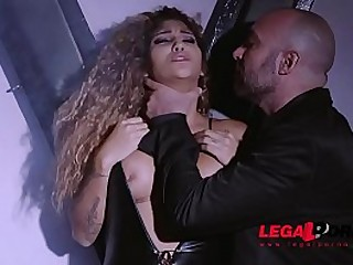 Submissive latex paramour Venus Afrodita gagged, spanked & fucked by dominator GP382