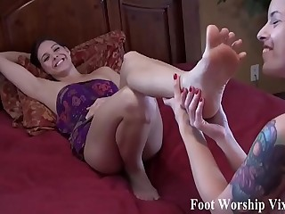 It time for a little girl on girl foot fetish action